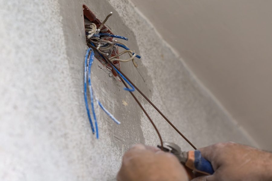 Be Aware of Aluminum Wiring Hazards and Prevent Them by Following These Steps