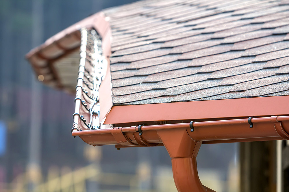 make-sure-your-roofing-comapny-includes-drip-edge-gutters