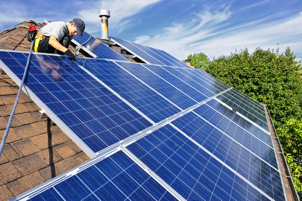 roofing-company-handle-solar-panel-installation