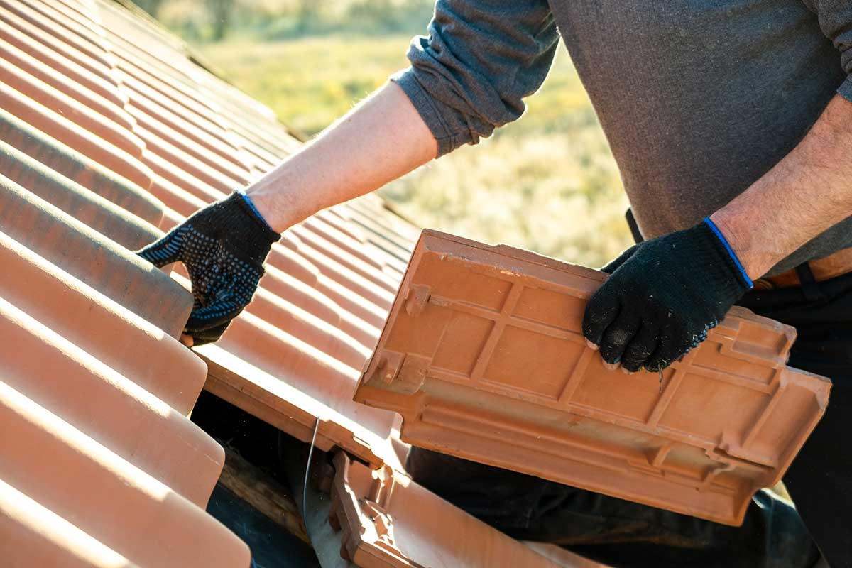 How to Get a Roof Replacement when You're on a Tight Budget